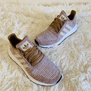 NEW Adidas Swift Run